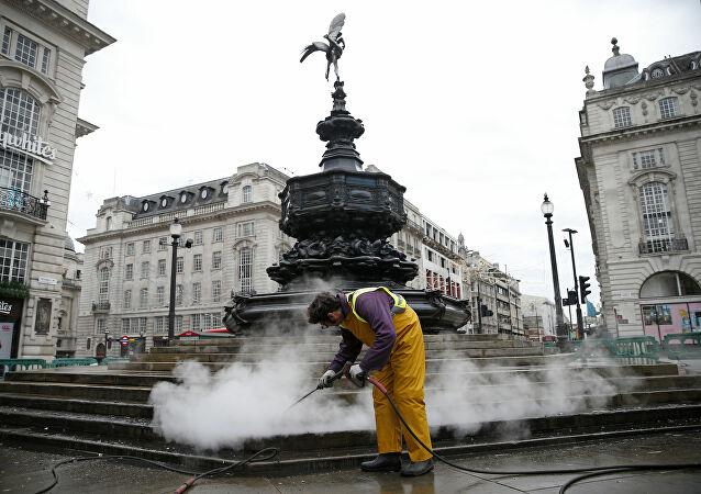 بريطانيا تعلن خروج السلالة الجديدة لكورونا عن السيطرة