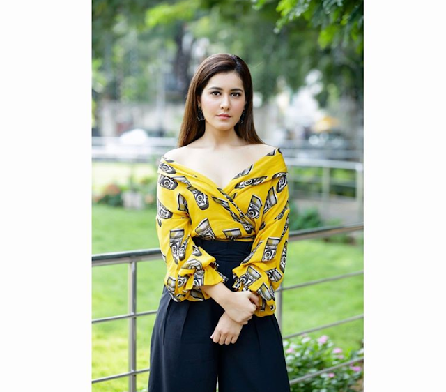 Rashi Khanna - Biography