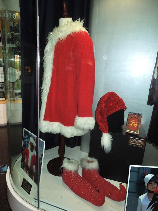 Jim Carrey Grinch Santa suit
