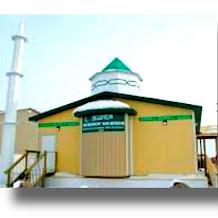 Masjid Ini Harus Digotong Untuk Sampai di Kutub Utara