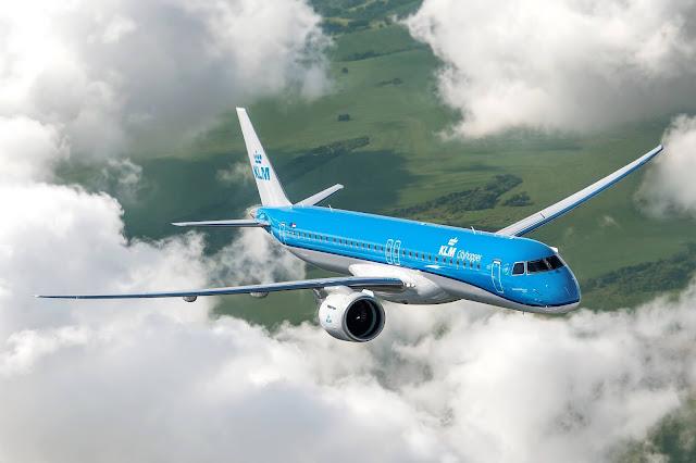 Embraer (EMBR3) entrega o primeiro E2 da frota KLM. Veja fotos aqui! | É MAIS QUE VOAR