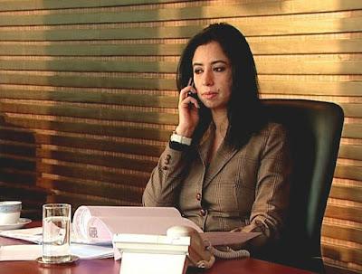 Ritu Dhawan talking to phone