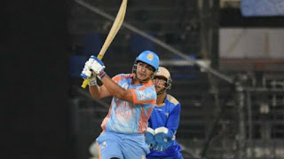 This batsman scored 6 sixes in six balls, equals Yuvraj and Gayle