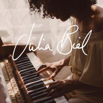 News du jour Julia Biel La Muzic de Lady