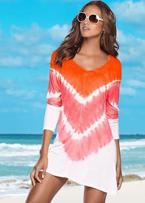 O visual manchadinho do tie dye promete preencher as praias no próximo verão!