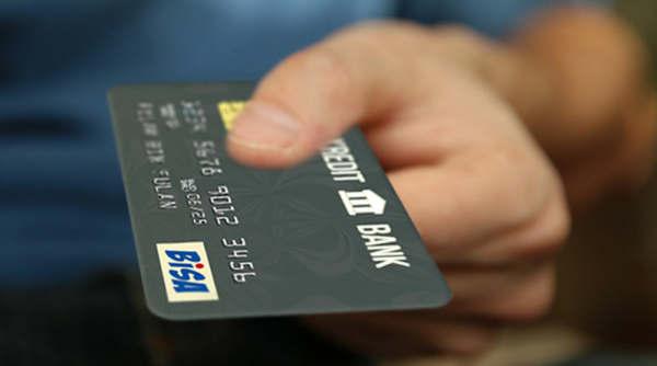SMS OTP Transaksi Kartu Kredit BCA Apakah Kena Biaya?