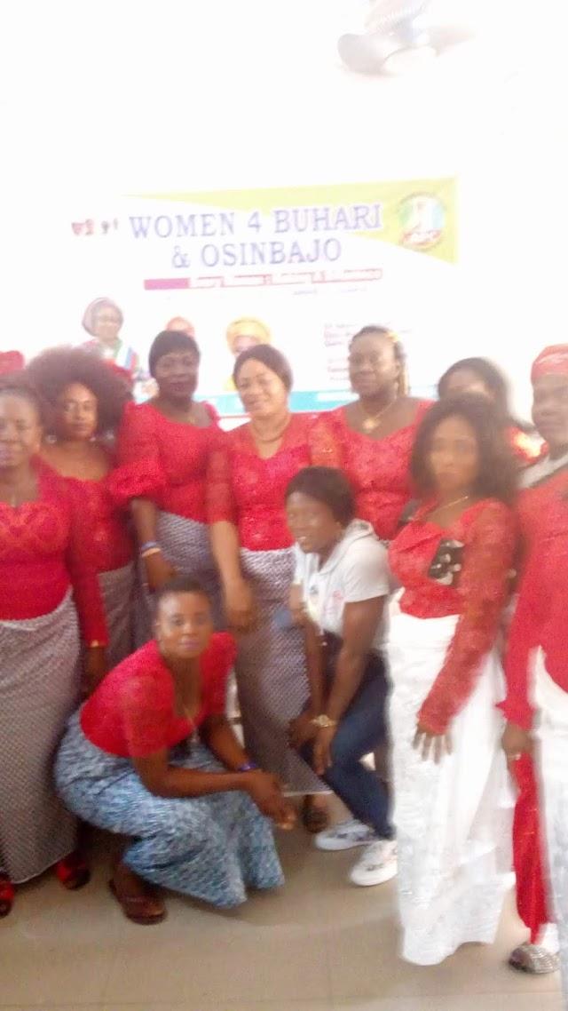 THE WOMEN 4 BUHARI & OSINBAJO GIVES BUHARI 100% SUPPORT