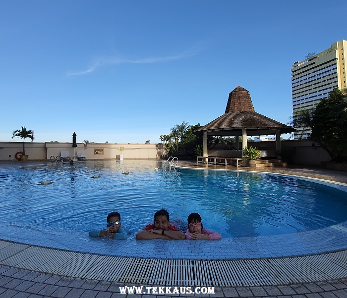 Bayview Hotel Melaka Swimming Pool