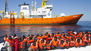 France to take in some migrants from Aquarius ship