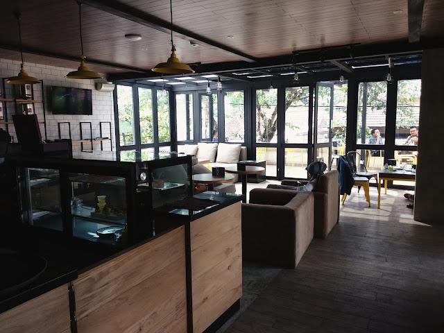 Praline Coffee & Patisserie Sukabumi