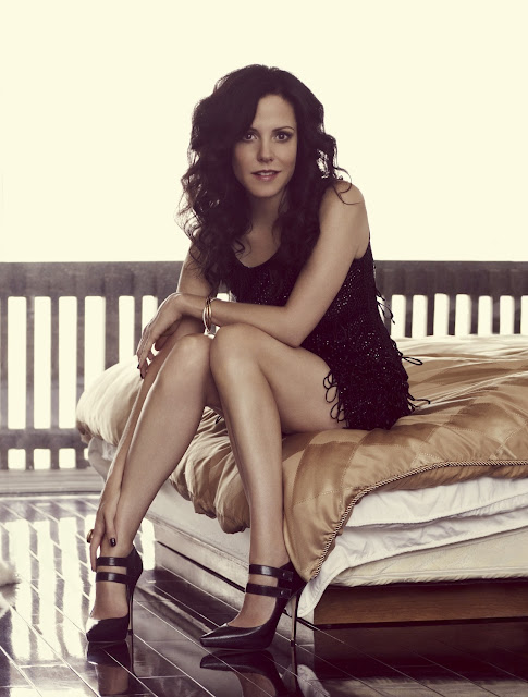 Mary Louise Parker Hot Legs