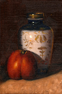 Oil painting of a Chinese-style blue and white vase with gold-coloured decoration next to a nectarine.