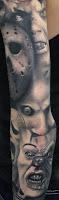 tatuaje para halloween con personajes de horror en blanco y negro