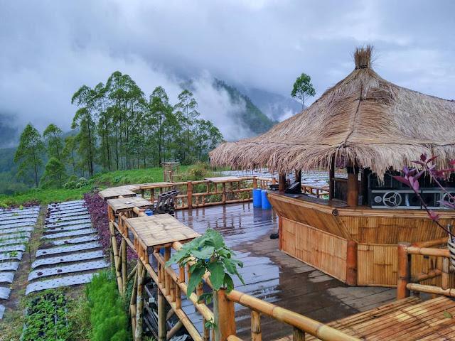 Wisata Bukit Nirwana Pujon