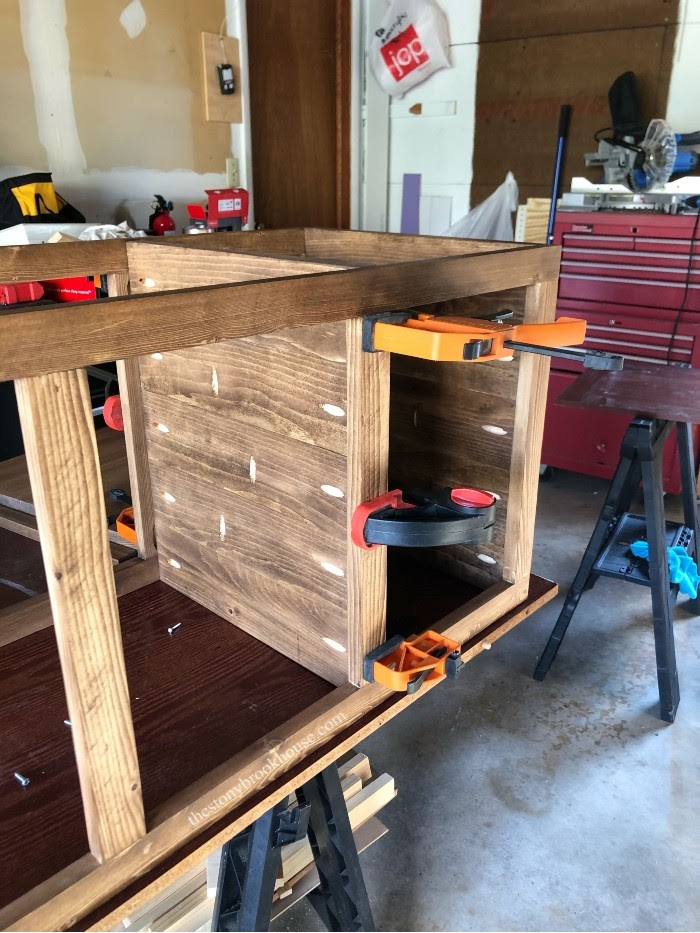 The underside of the shelf unit attaching sides