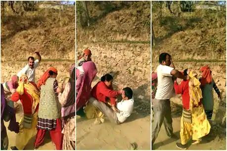 मंडी में महिलाओं ने जमीन मालिक को पत्थर और लाठियों से धोया, और फिर