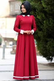 bd60e1c66e053 Bu giyim genellikle başka üretilen, bir ülkede tasarlanmış ve dünya çapında  satılan ile, uluslararası ve son derece küreselleşmiş bir sektör 2015  tarihi ...