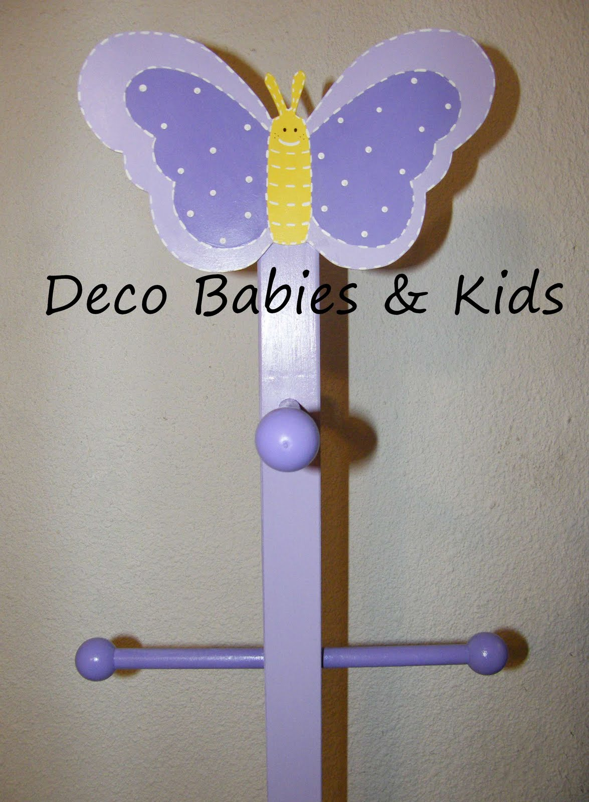 Deco babies kids perchero de pie mariposa for Percheros para colgar en puertas