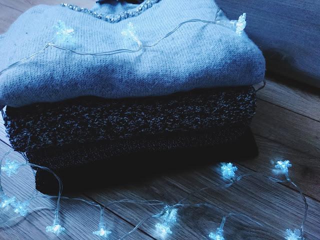 minimalistyczna szafa, kapsułowa garderoba