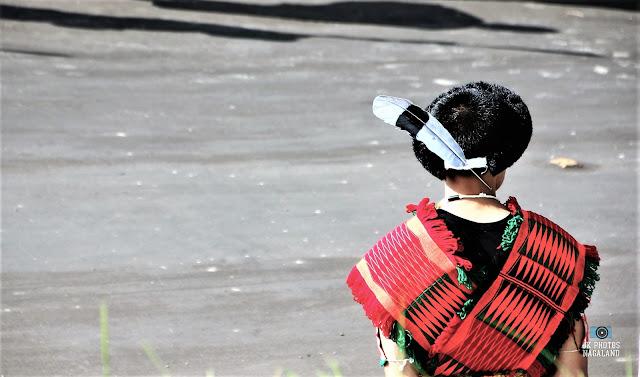 angami-naga-man-traditional-attire-headgear