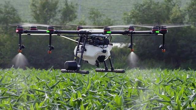 पीक व्यवस्थापनामध्ये ड्रोन तंत्रज्ञानाचा वापर