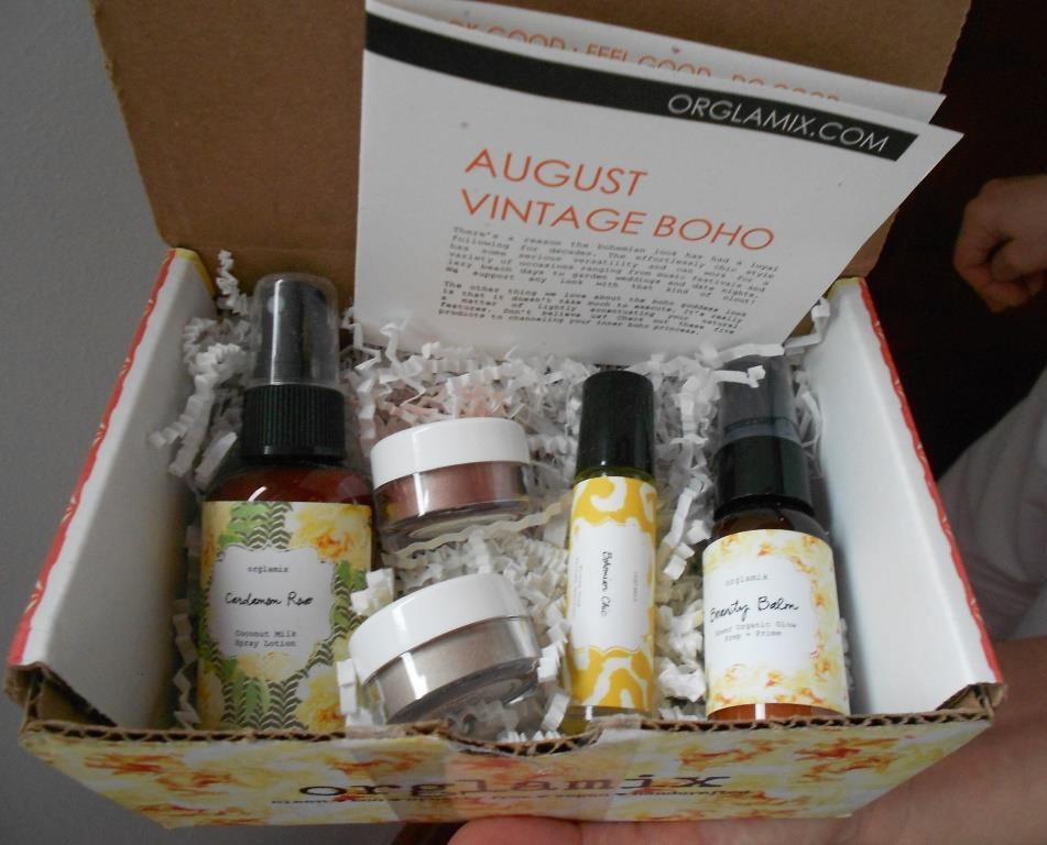 Orglamix-Beauty-Box-August-2017.jpeg