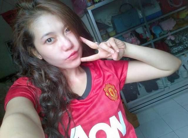 Via Vallen Fans Berat Manchester United