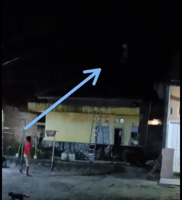 Polisi Tangkap 'Pocong' yang Viral Lari di Atap Rumah Warga Cilegon