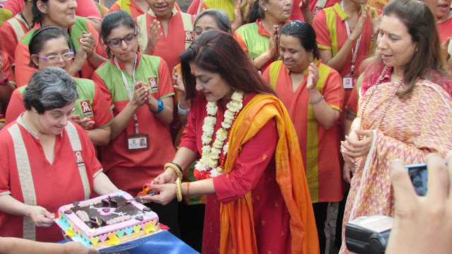 Sunali Rathod a well-known singer celebrated her Valentine's Day along with specially-abled adults of Om Creations Trust