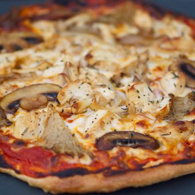 https://1.bp.blogspot.com/-IOrjgrWirfM/Tk2kx0EzhYI/AAAAAAAAARc/eLXLfte3s0E/s400/Grilled+Lemon+Chicken+and+Mushroom+Flatbread+Pizza.jpg