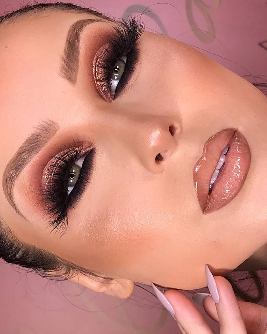 Maquiagem rosa com glitter