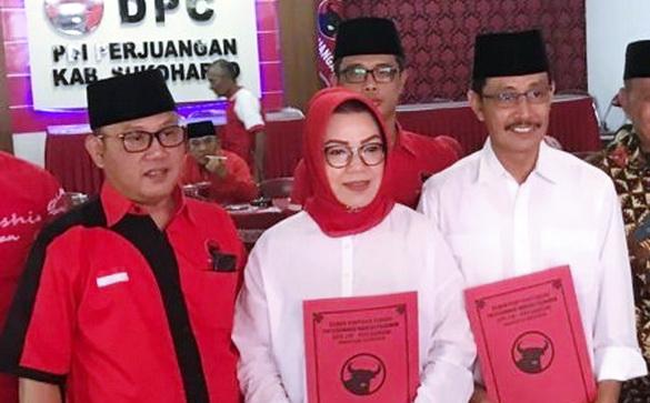 Hina Jilbab Panjang, Calon Bupati Sukoharjo Dituntut untuk Meminta Maaf