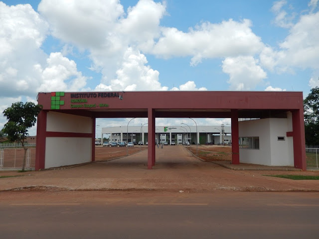 Campus Guajará-Mirim recebe a comunidade em Feira de Estágio, Emprego e Negócios