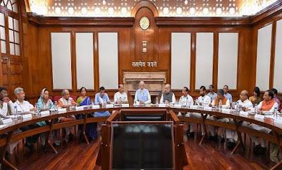 38 केंद्रीय मंत्रियों सरकार की विकास नीतियों की जानकारी देने के लिए जम्मू-कश्मीर दौरे पर