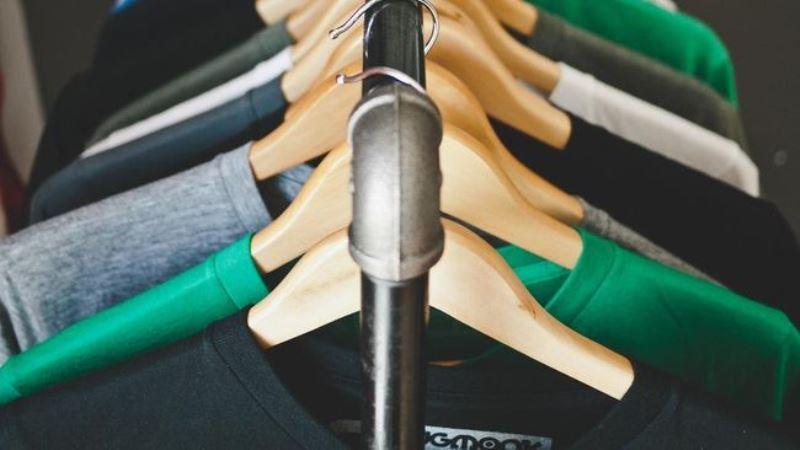 Super !!! Orang Inggris Habiskan Rp43 Triliun untuk Baju Sekali Pakai