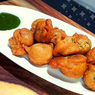 Vrat ke liye Special Aaloo Vade  Aaloo Bonda  Navratri Vrat Recipes  Asha and anita व्रत में खाने वाले आलू वड़े