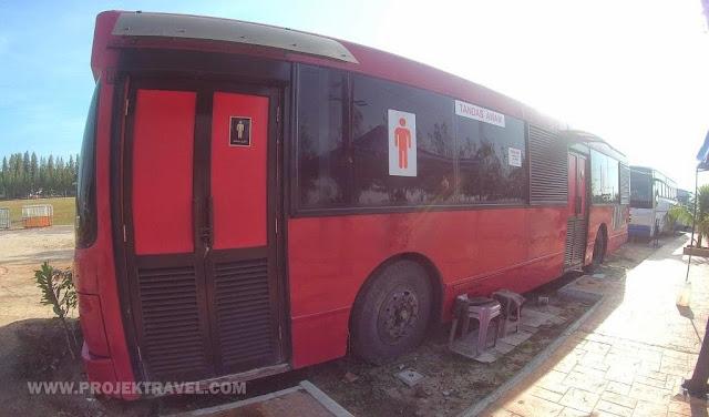 Tandas juga berkonsepkan bas