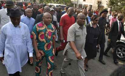 Wike marching to the Rivers State Police Command to protest police brutality and killings in Port Harcourt