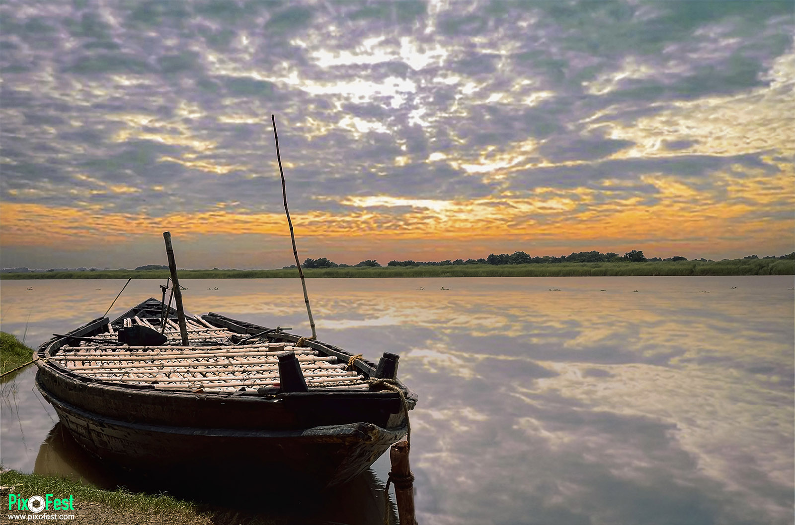 boat,river,sunset,riverboat,landscape,landscapes,landscaping,sky,ganga,pixofest