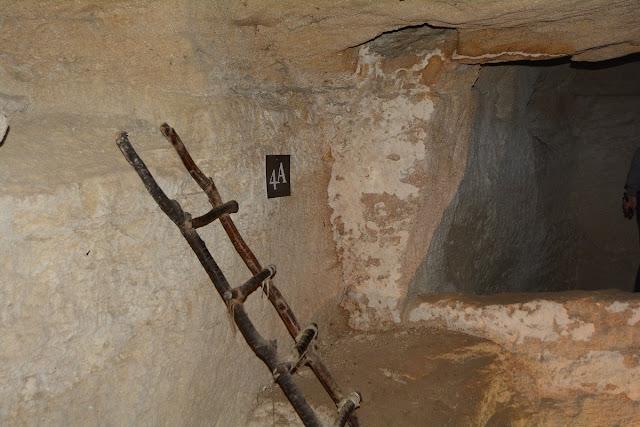 Doué la fontaine sarcophages