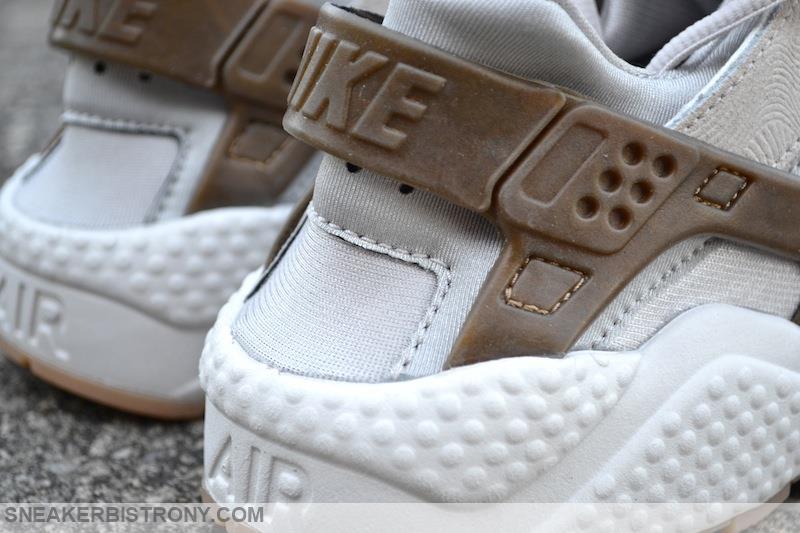 cheaper cc2d8 d0fdb Nike Wmns Air Huarache Run Prm Suede