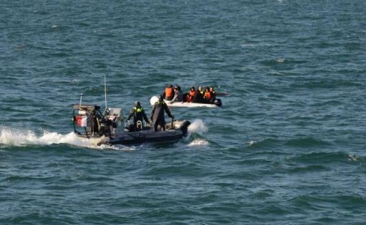 فرنسا: إنقاذ 121 مهاجرا قبالة القنال