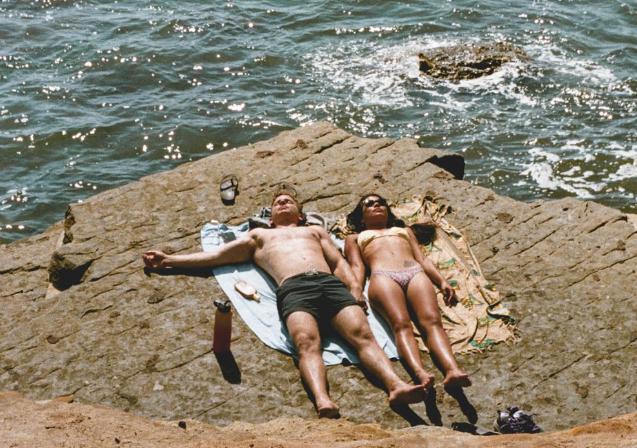Verano en la playa: tomar alcohol hará que tu piel se queme más rápido