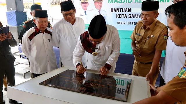 https://www.barkatisamarinda.com/2020/02/walikota-samarinda-resmikan-masjid-di.html