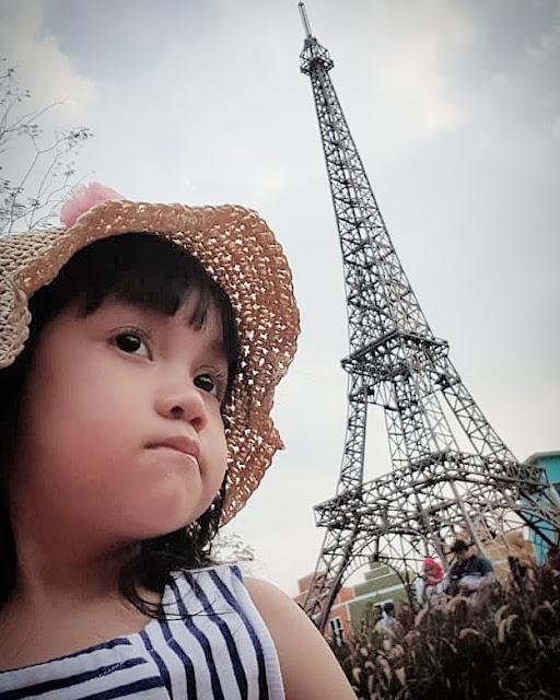 Wahana permainan anak di Devoyage Bogor