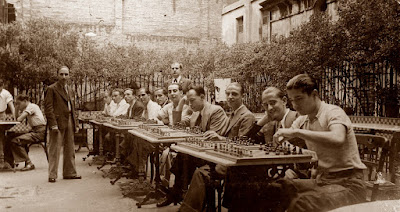 Sesión de simultáneas de ajedrez en 1935