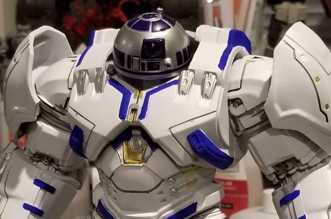 R2-D2 in Battle Mode : ハルクバスターと戦えそうなバトル・モードの R2-D2 ! !