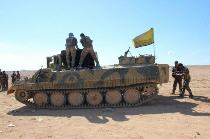 suku suriah usir pasukan dukungan as dari kota Deir Ezzor