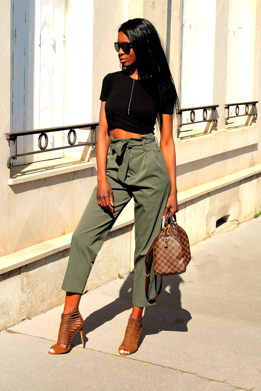 pantalon-kaki-tendance-blog-mode-crop-top-zara-sac-speedy-louis-vuitton
