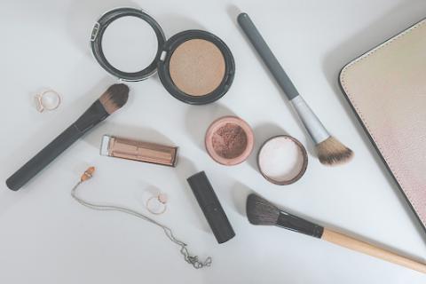 Makeup Lokal untuk Sobat Misqueen